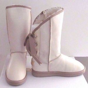 Moov Culture Leather & Shearling Boots NIB SZ 8